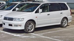 1280px-Mitsubishi Chariot Grandis