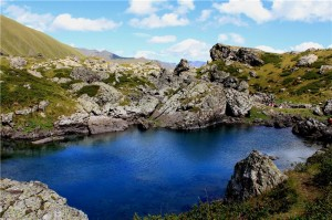 abudelauri-blue-lake